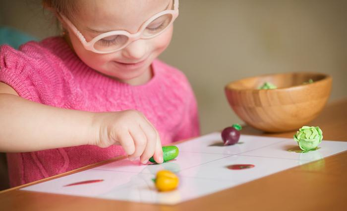 Hoe verloopt de ontwikkeling van een kind met downsyndroom baby 6 maanden ouders van nu - Ontwikkeling m ...