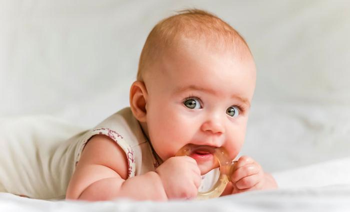 baby eerste tandjes