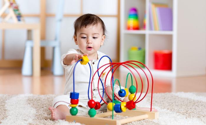 Bien choisir les jouets de bébé!