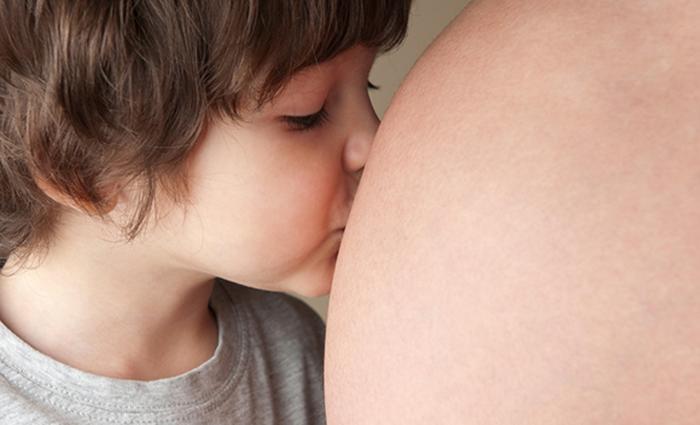 7 dingen die je baby in de buik doet