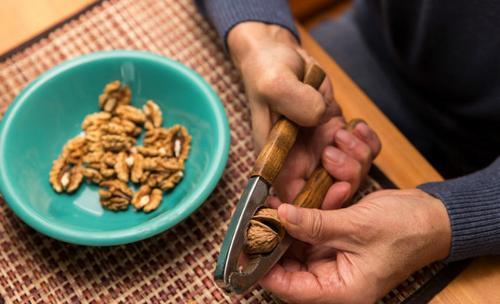Les noix rendraient les hommes plus fertiles