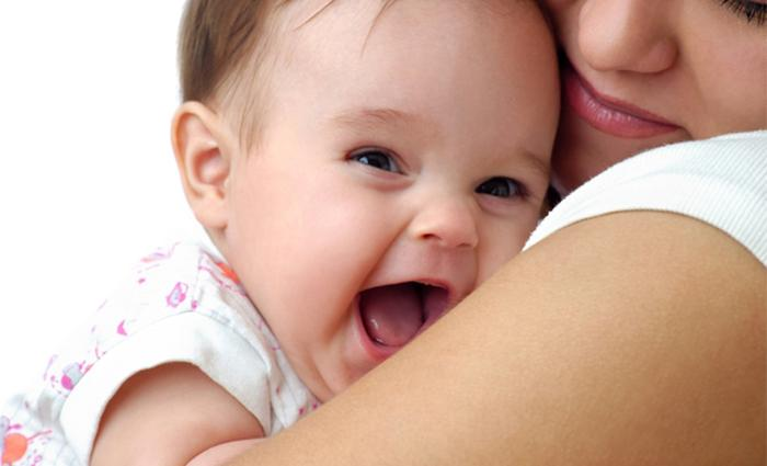 Baby lacht, baby's hebben humor