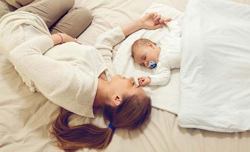 samen slapen met baby