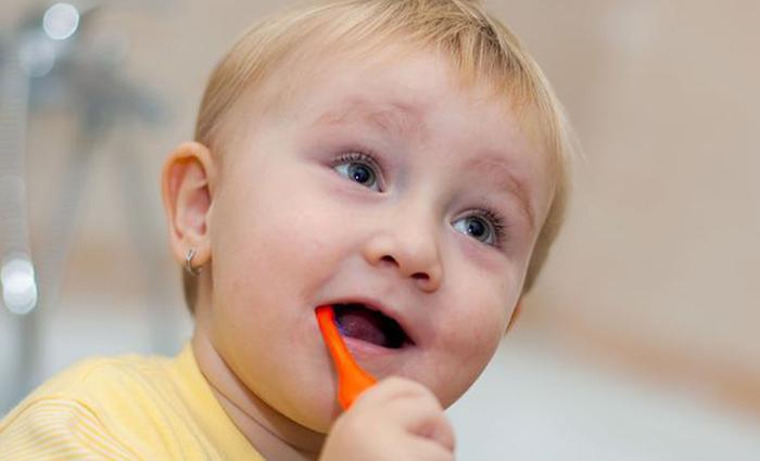 Bijten-op-tandenborstel