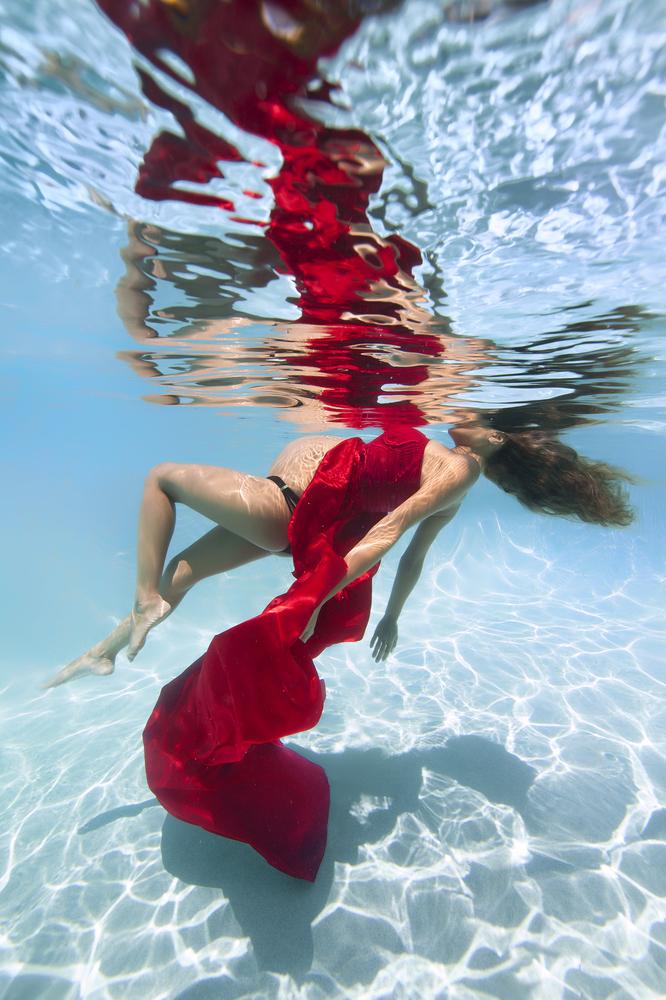 onderwater fotoshoot zwangere vrouw 2