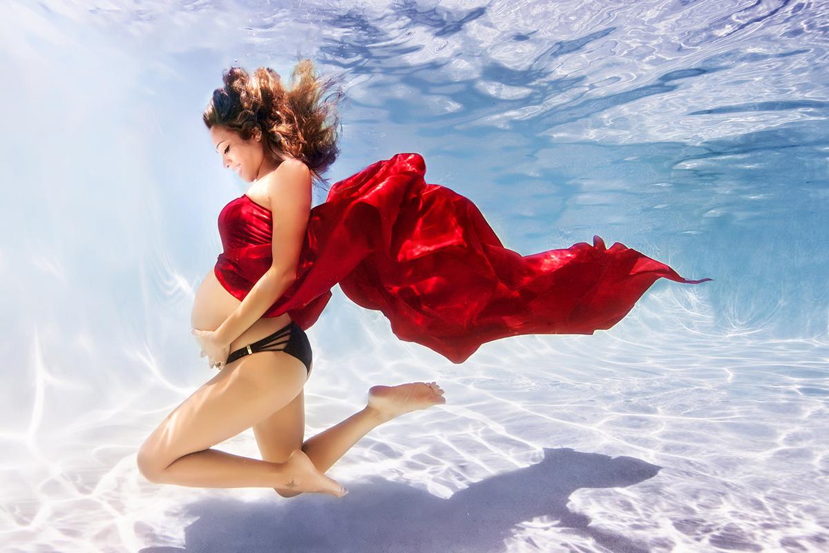 onderwater fotoshoot zwangere vrouw 1