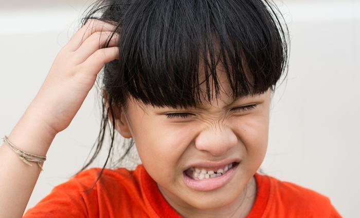 symptomen hoofdluis