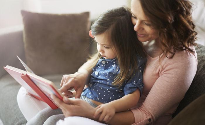 Hoe kun je je kind spelenderwijs leren lezen?