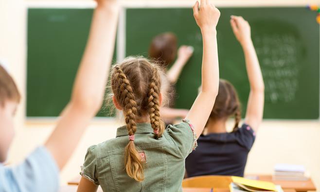 'Onze scholen lopen hopeloos achter'