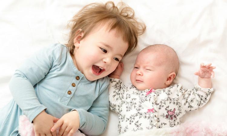 22 dingen die je ontdekt als je tweede kind is geboren