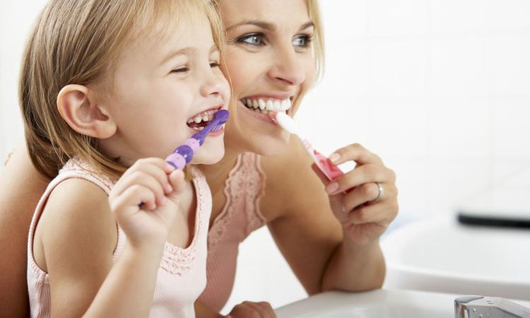 Raar maar waar: vrouwen met kinderen verliezen meer tanden
