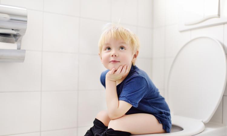 Toilet-etiquette: zo leer je jouw kind netjes naar de wc gaan