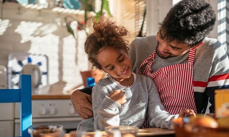 'Vaders praten meer met dochter dan met zoon'
