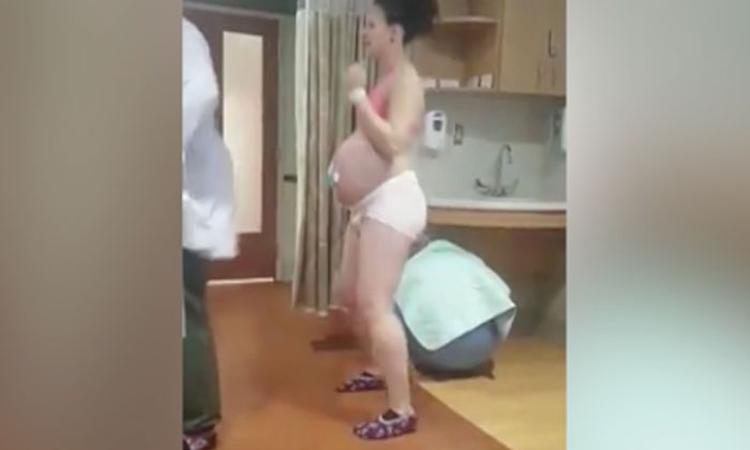 Wat een swingende bevalling: vrouw danst tussen de weeën