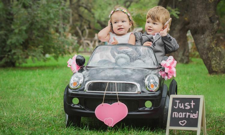 8 originele ideeën om je kinderen bij de huwelijksceremonie te betrekken
