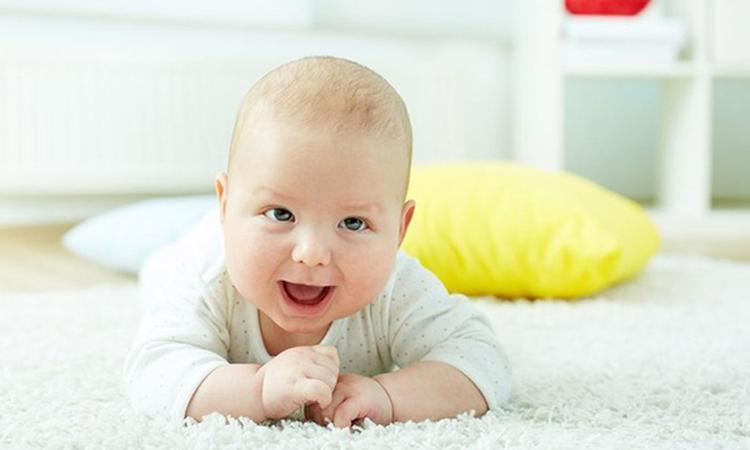 Nederlandse baby's lachen opvallend vaak