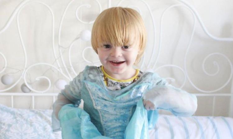 Disneyland zegt sorry tegen jongetje (3) dat geweigerd werd bij Elsa-feestje