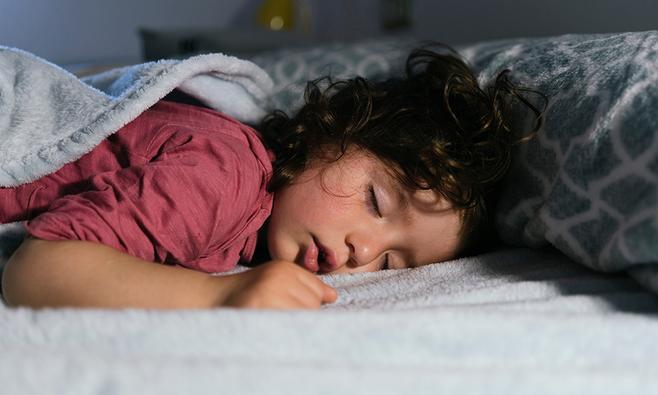 Slaapschema peuter: hoeveel slaapt een peuter?