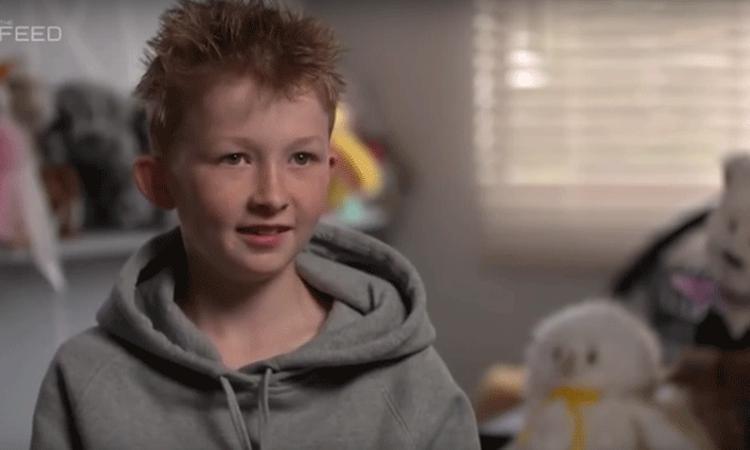 Lief: jongen (12) maakt knuffels voor zieke kinderen