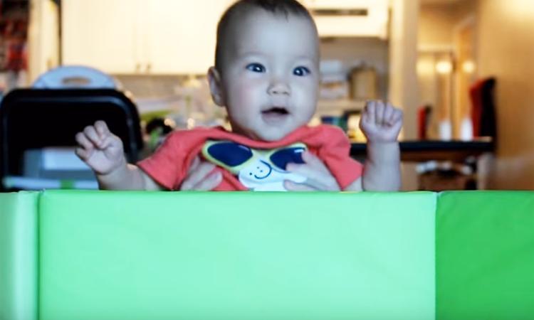 Ontroerende timelapse: baby's eerste jaar in 365 seconden