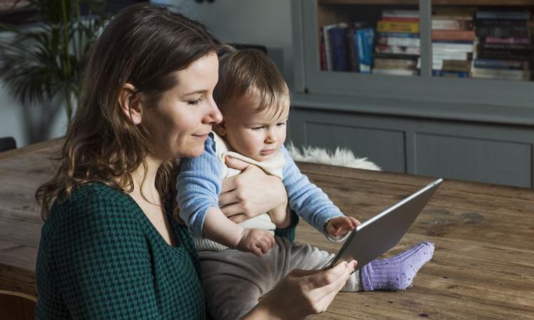 Je kind op een smartphone of tablet? Zo stel je grenzen!