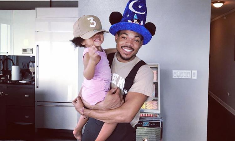 Lief! Chance the Rapper danst met animatiefiguren voor jarige dochter