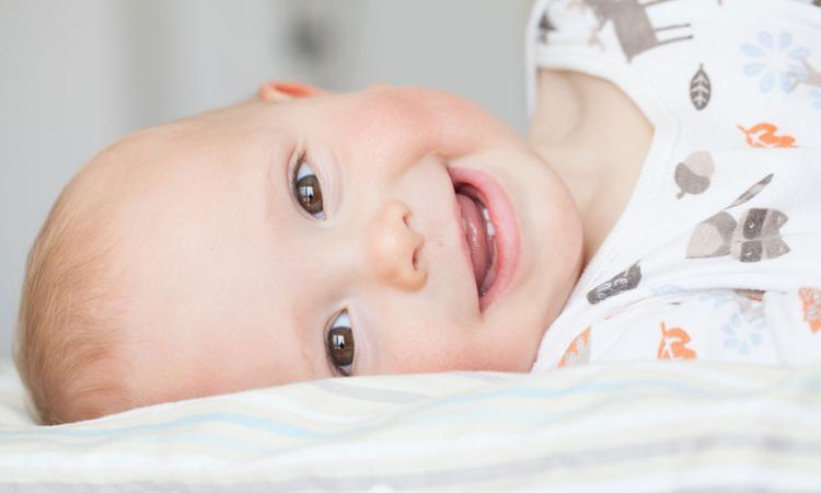 Vanaf wanneer poets je de tanden van je baby en waar moet je op letten?