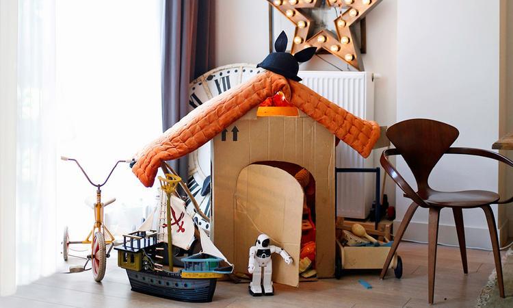 Binnenkijker: 'De kamer van Bence: een speelhuisje en opbergplek ineen'
