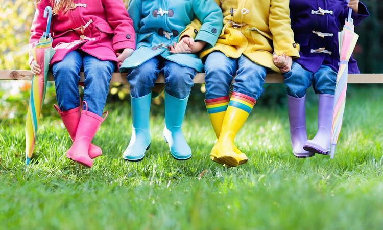13x musthaves voor je kind voor regenachtige dagen
