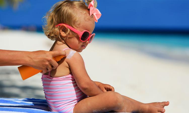 Zo kies je de juiste zonnebrand voor je kind