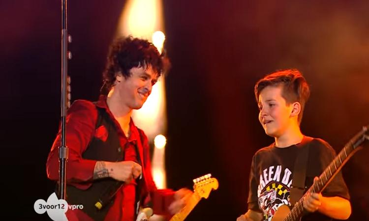 Green Day-zanger geeft 11-jarige Jules de verrassing van zijn leven