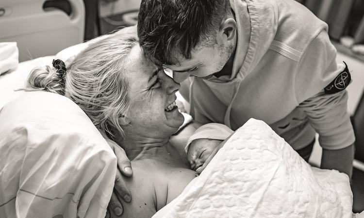 Stella's bevallingsverhaal: 'Kom op lijf, werk mee. Geef een kramp, doe iets'