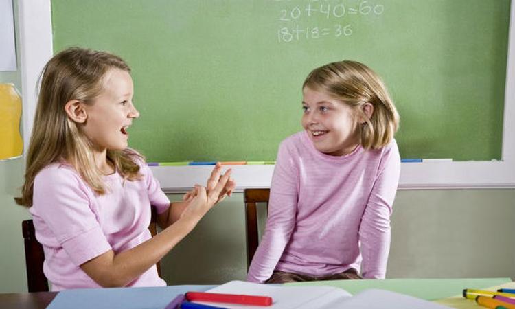 Tweetalig onderwijs: hoe jonger hoe beter?
