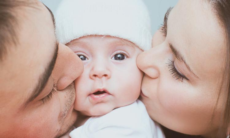 Dit is waarom je soms letterlijk een hap uit je baby zou willen nemen