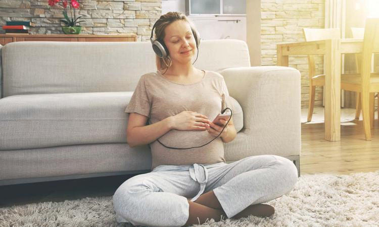 Dit zegt jouw muzieksmaak over jou als moeder