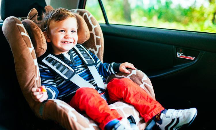 Waarom is een autostoelhoes zo handig?