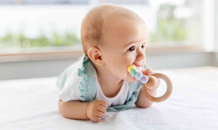 15x houten speelgoed voor je baby voor eindeloos speelplezier