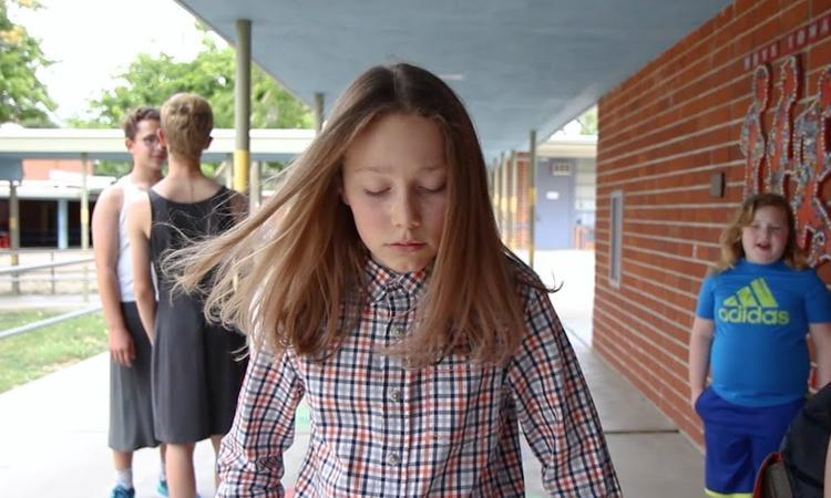 Filmpje van meisje (14) over genderneutraliteit gaat de wereld over