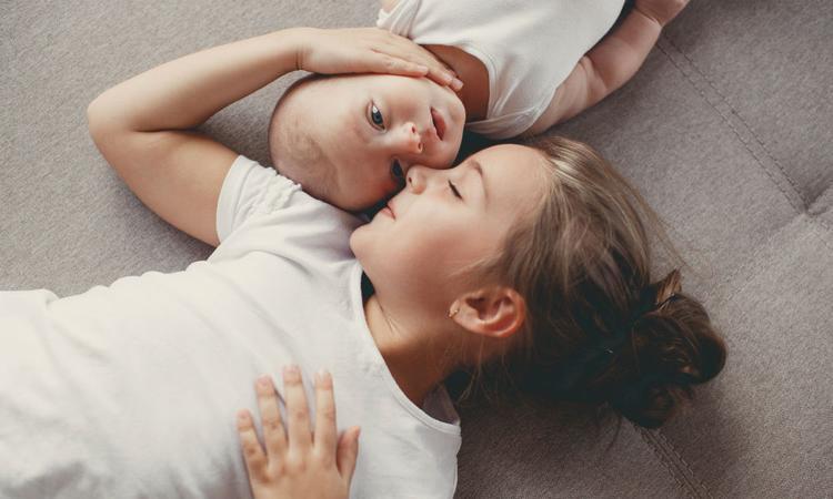 22 anagrammen van babynamen die perfect bij elkaar passen