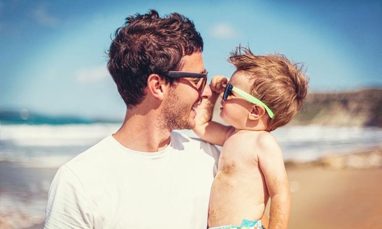 Een zonnebril voor je baby of kind: nodig of niet?