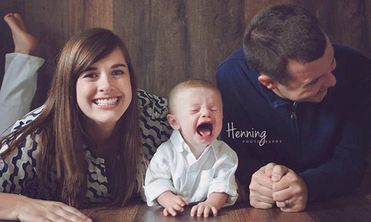 Hilarische fotoreeks: 10x leven met een baby in foto's
