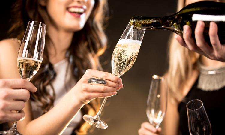 Mag dat ene glaasje champagne als je zwanger bent?