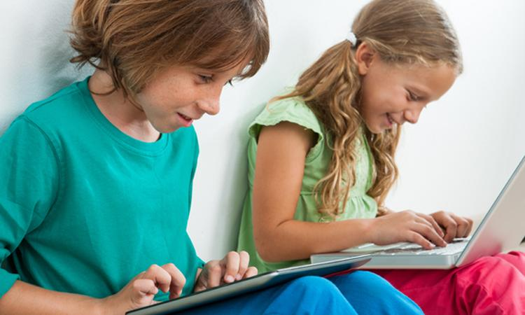 Wat leren kinderen via computer, apps en tv?