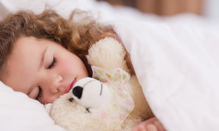 Zo veel slaap heeft een kind echt nodig