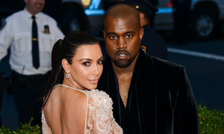 Kim en Kanye delen eerste foto van Saint West