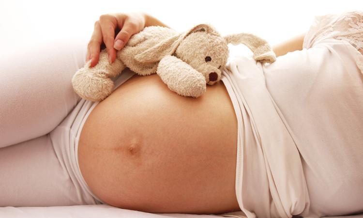 Zelf de bevalling opwekken: kan dat?