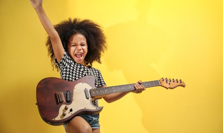 Kind en gitaar