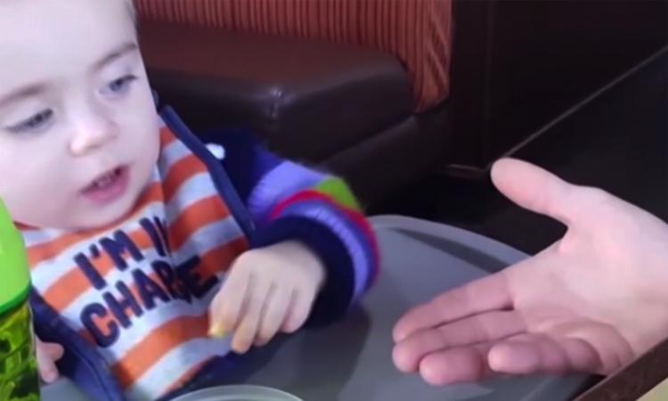 Baby wil alléén met zijn moeder delen