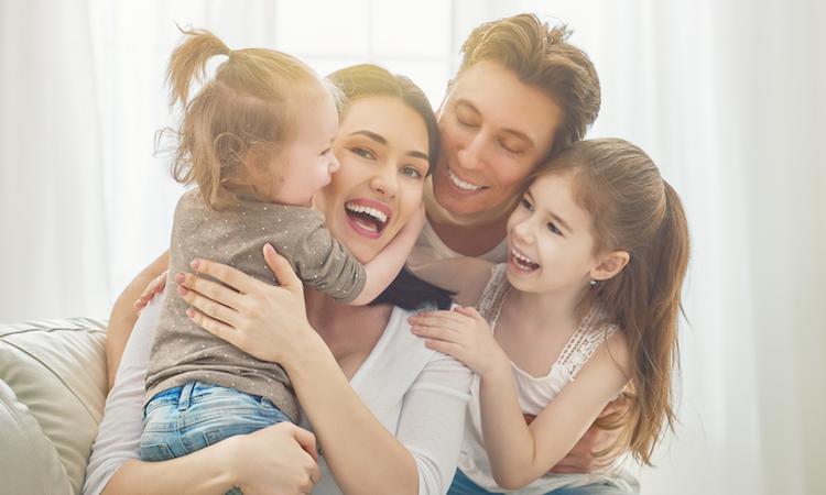 Onderzoek: 'Ouders zijn pas echt gelukkig als kinderen het huis uit zijn'