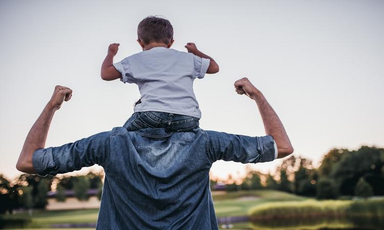 15 krachtige jongensnamen die alle vaders trots maken